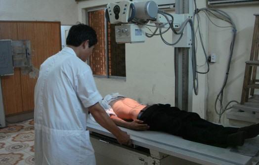 Phụ nữ có thai không nên chụp X quang khi không thật cần thiết vì có một nguy cơ nhỏ là tia X sẽ gây ra bất thường cho thai nhi