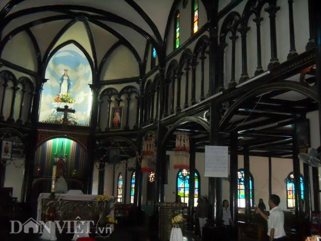 nhà thờ gỗ kon tum 3