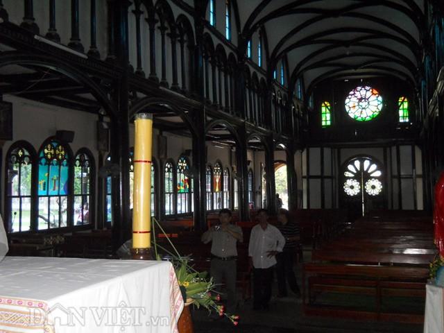 nhà thờ gỗ kon tum 4